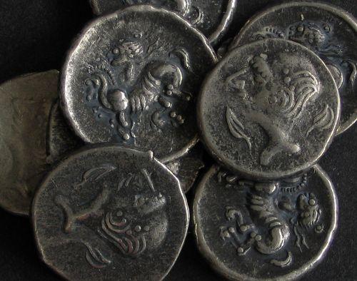 Hemidrachma cín | Keltové (3.-2. stol. př. Kr.) Podunají | replika mince