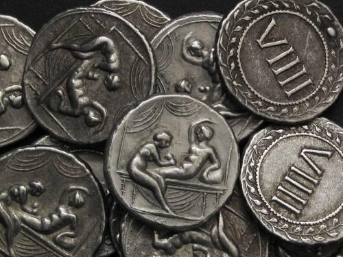 Spintrie VIIII. cín | erotický žeton (1. stol. po Kr.) Řím | replika mince