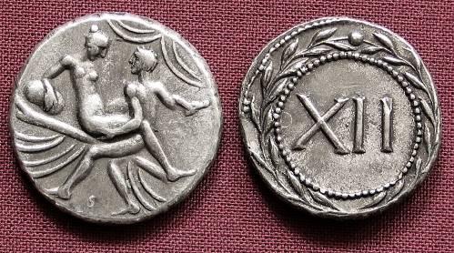 Spintrie XII. cín | erotický žeton (1. stol. po Kr.) Řím | replika mince